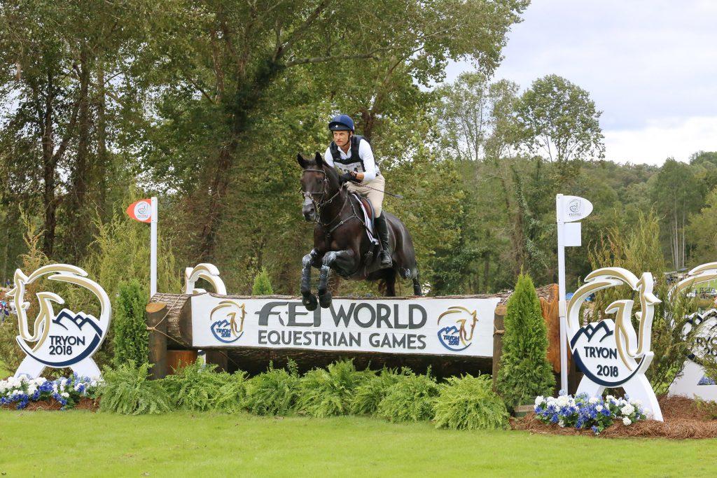 Show Equestrian Jumps